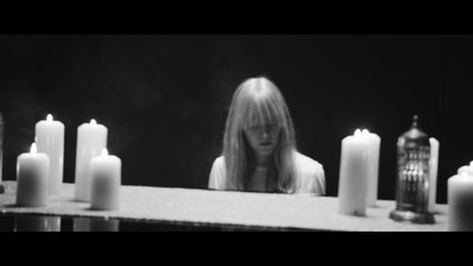 Lucy Rose - Nobody Comes Round Here