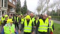 À Tourcoing, les gilets jaunes défilent dans une ambiance bon enfant