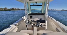 2019 Boston Whaler 280 Outrage Boat For Sale at MarineMax Wrightsville Beach