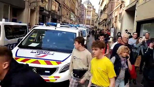 Gilets jaunes à Metz : la charge des CRS