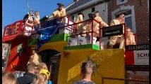 Carnaval de Waremme: le Prince Carnaval fait plaisir aux jeunes Waremmiens
