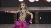 شاهد رقص شرقى مصرى اداء بنت صغيرة ولا اروع