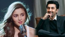 Alia Bhatt shows LOVE for Ranbir Kapoor during Filmfare Awards 2019; Check Out | FilmiBeat