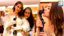 Sara Poses With Her Mother & Her Filmfare Awards On Winning Best Debut Actress Award