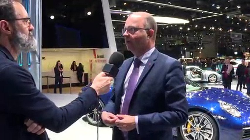 Automobile - Nouvelle Porsche 911 : Interview de...