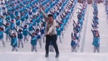 Chinese teacher's 'Dura' dance with hundreds of students