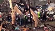 Alabama  moments émouvants après le passage d'une tornade dévastatrice