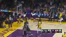 Lance Stephenson met le feu au banc des Lakers