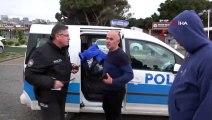 Kahraman polis 1 dakika bile düşünmeden denize atladı