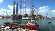 Nave dirottata in porto a Malta, sbarcati i migranti: 5 arrestati