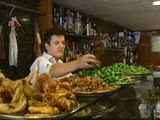 Un bar de Barcelona ofrece a sus clientes el menú del día a un euro para combatir la crisis