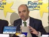 Sirera y Núñez Feijoo critican los motivos de Juan Costa para no presentarse