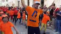 Temps fort du carnaval, la parade des petits danseurs hip-hop emmenés par le Centre chorégraphique national de La Rochelle. Ils ont travaillé tous les week-ends de mars avant de présenter leurs mouvements.