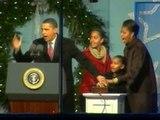Obama enciende su primer árbol navideño en la Casa Blanca