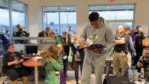 NBA - Quand Giannis Antetokounmpo fait le bonheur d'une jeune fan
