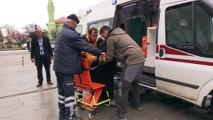 Hastalar oy kullanmaya ambulansla götürüldü - ERZİNCAN