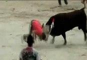 Un joven de 25 años fallece tras ser embestido por un toro