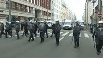 Demonstranten werfen Fenster der EU Kommission in Brüssel ein