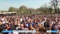Marche blanche : l'hommage d'une ville à un enseignant