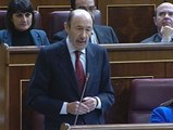 Rubalcaba le pide explicaciones a Rajoy por la contabilidad B y éste le responde sobre el paro