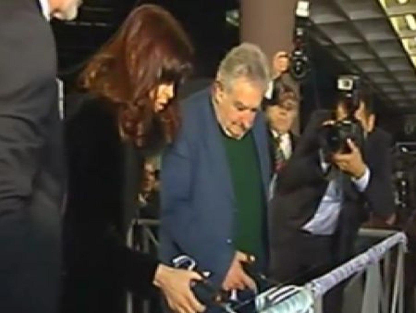 Crece la tensión entre Argentina y Uruguay