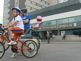 Sanitarios madrileños sobre ruedas, contra la privatización de seis hospitales públicos
