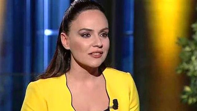Sunucu Buket Aydın'ın Kemal Kılıçdaroğlu'na Attığı Kahkaha Sosyal Medyada Gündem Oldu
