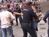 Protesta en Santiago de Compostela por el encuentro de Merkel y Rajoy