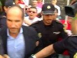Abucheos a los exdirectores de la radio y la televisión valencianas