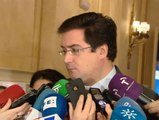 Osca López pide explicaciones a Cospedal sobre el contrato de su marido con Liberbank