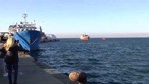 Santa Pola recibe como héroes a los tripulantes del pesquero que auxilió a una patera con 12 migrantes en el Mediterráneo