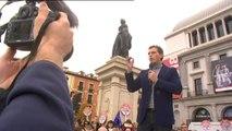 """Rivera dice que Sánchez """"es capaz de pactar con los que escupen al Gobierno de España y decir que no le han escupido"""""""