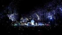 Barcelona enciende sus luces de Navidad con un recuerdo a las víctimas del atentado de Las Ramblas