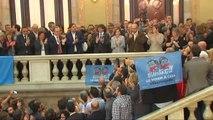 Los independentistas celebran la DUI en los pasillos del Parlament