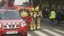 Los bomberos ayudan a evitar el cierre de un colegio en Lleida