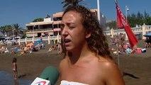 Una invasión de peces manta desata la locura en una playa de Canarias
