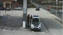 Salvados in extremis de ser atropellados en una gasolinera