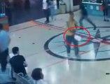 Un papy intervient contre un déséquilibré armé d'une machette !