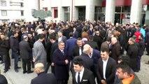 Erzurum Büyükşehir Belediye Başkanı Mehmet Sekmen mazbatasını aldı