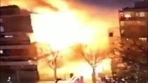 - Fransa'nın başkenti Paris'te bir binada şiddetli patlama meydana geldi. Olay yerine çok sayıda itfaiye, polis ve sağlık ekibi sevk edildi. Patlama sonrası gelen ilk bilgilere göre yaralıların olduğu bildirildi.