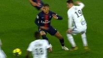 Paris Saint-Germain v RC Strasbourg Alsace: Kylian Mbappé skills