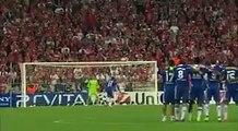 Lampard tombe dans les bras des fans après avoir gagné la Ligue des Champions
