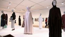 Francoforte: una mostra sulla moda islamica tra polemiche e messaggi di odio