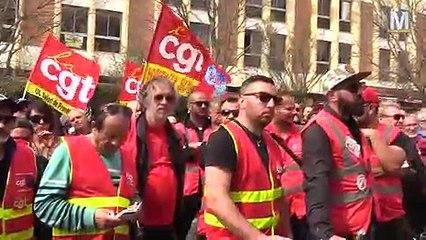 La CGT en nombre devant la permanence de Mohamed Laqhila aux Milles