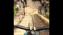 Il dévale les escaliers de la Butte-Montmartre ... en VTT ♂️