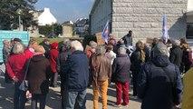 60 personnes marchent pour défendre l'hôpital de Concarneau
