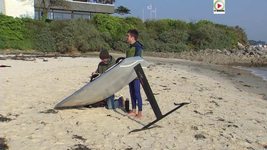 Saint Pierre Quiberon La Planche A Voile Volante Tv Quiberon 24 7 Video Dailymotion