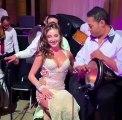 Pas facile de rester concentré avec cette danseuse orientale !