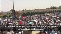 Les Soudanais mobilisés,les militaires promettent le dialogue