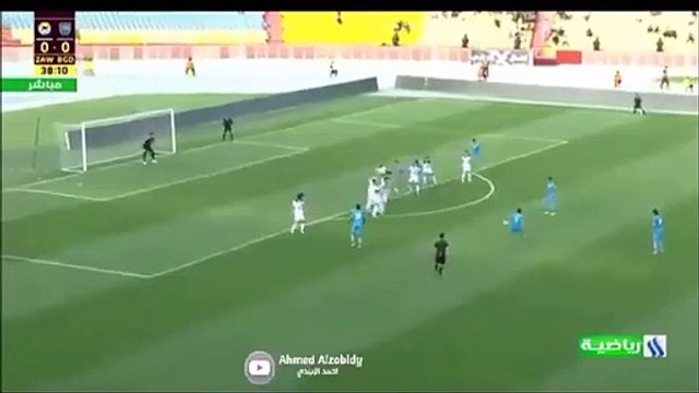 Amazing triple save by Jalal Hasan in the Iraqi league.
